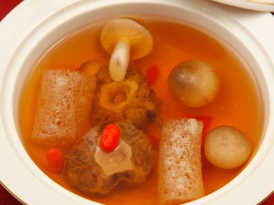 竹蓀豆腐煲魚丸:味道鮮美、營養豐富