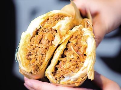 吃吃吃!酥脆酱香的肉夹馍 引吃货们PK